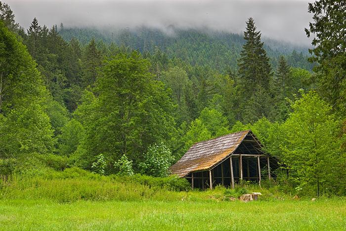 Duckabush River, Olympic National Forest, Washington, barn
