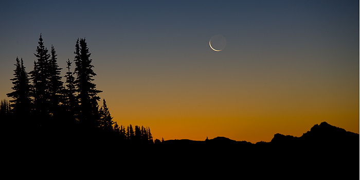 sunrise, moon, crescent moon, Mount Rainier, national park, Washington