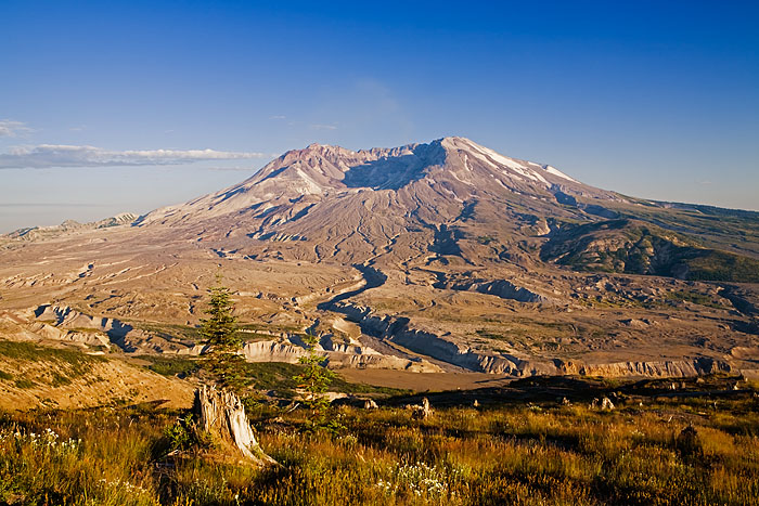 Mount Saint Helens, Johnston Ridge, Washington, 1980 eruption, Toutle River valley